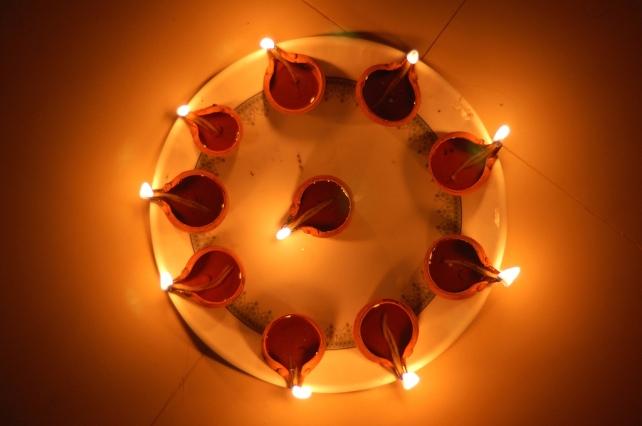 diwali-lamps-cc-shrikrisna-pundoor
